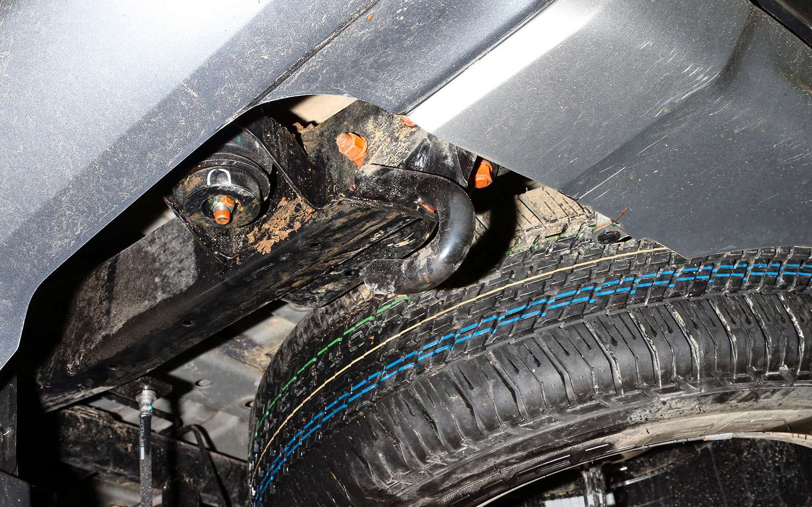 Mitsubishi Pajero Sport иKia Mohave— сравнительный тест настоящих внедорожников— фото 769878