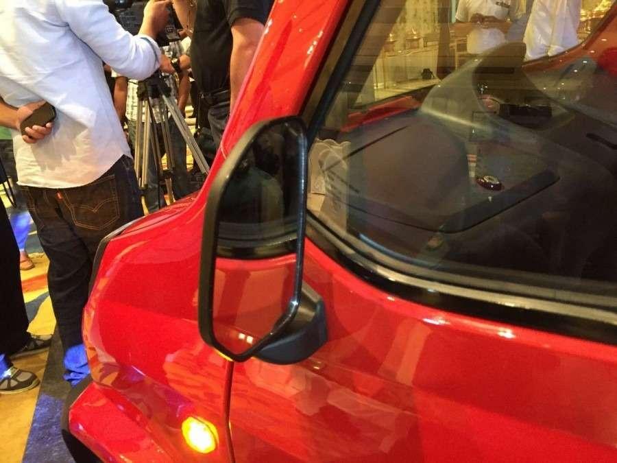 Bajaj-Qute-rear-view-mirror-during-unveil-in-India-900x675