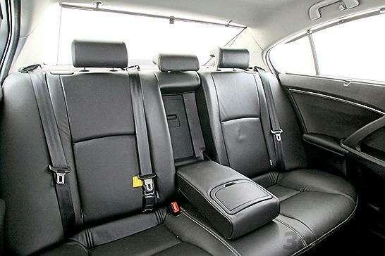 Ford Mondeo, Toyota Avensis, Volkswagen Passat: Под знаком качества— фото 93526