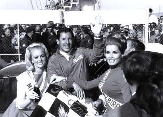 6 Mario Andretti at the Daytona 500 in 1967 no copyright