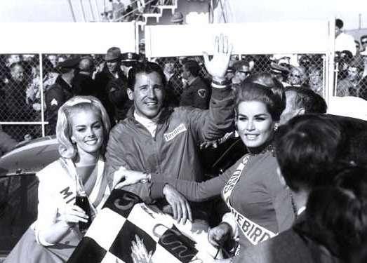 6 Mario Andretti atthe Daytona 500in 1967no copyright