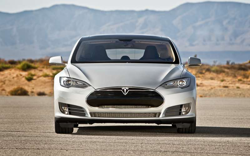 no copyright 2013 Tesla Model S