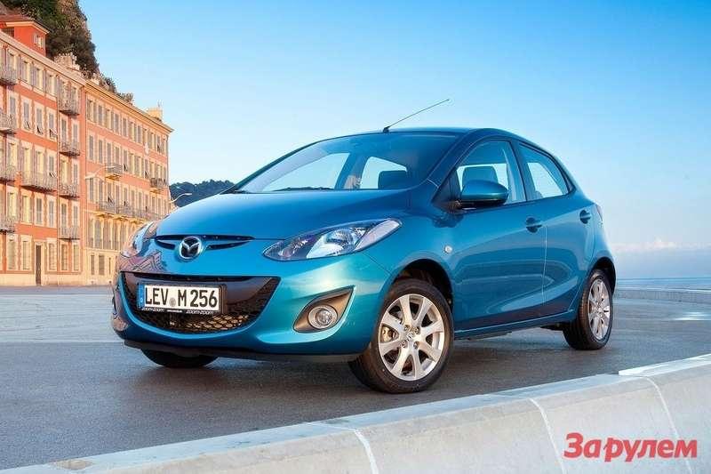 Mazda-2_2011_1600x1200_wallpaper_05