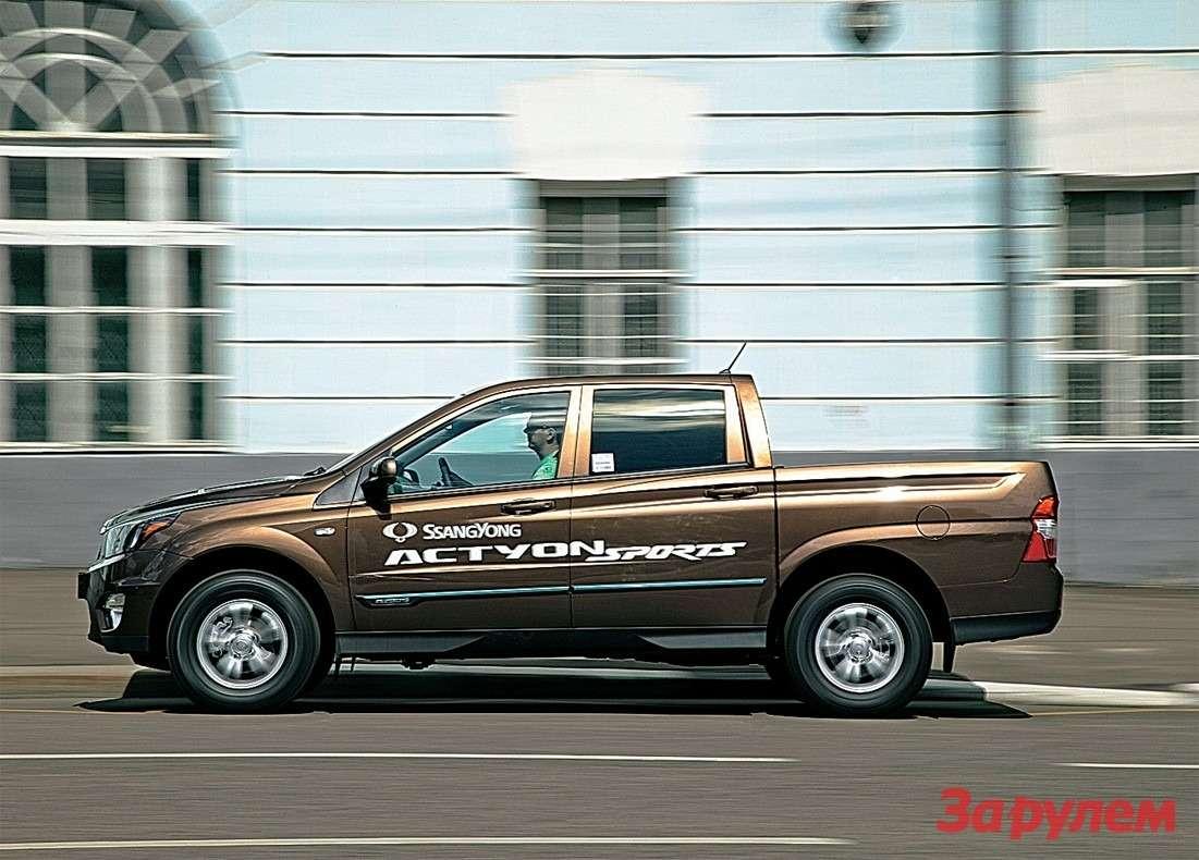 Модернизированный 2-литровый турбодизель тащит машину невпример увереннее прежнего мотора.