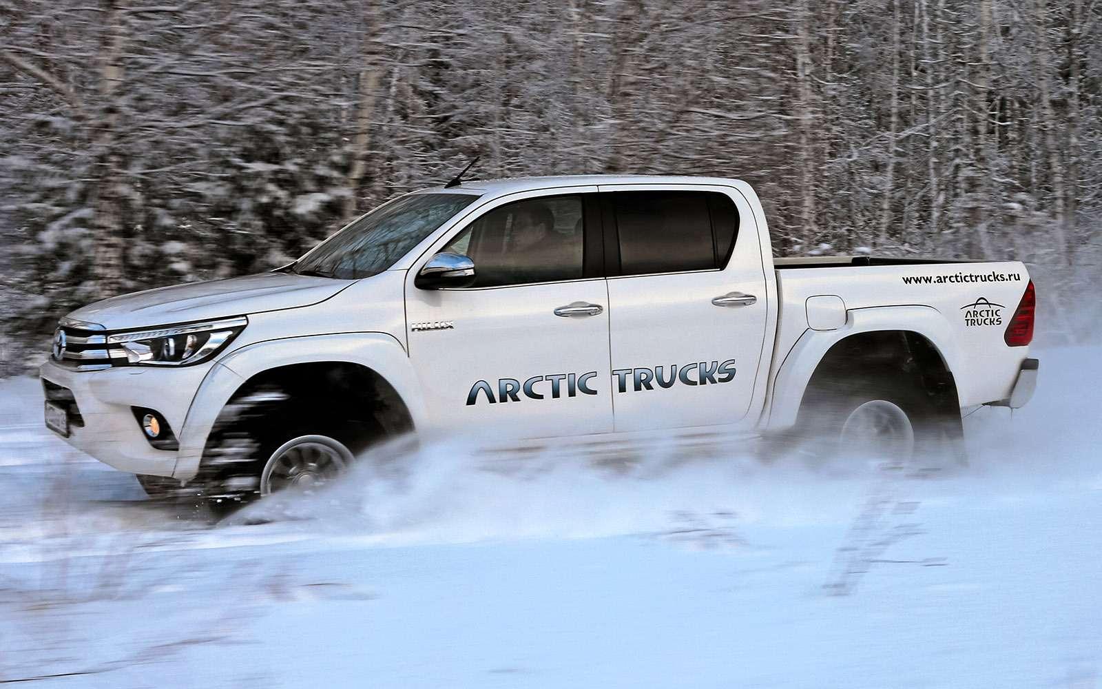 Пикапы Toyota Hilux Arctic Trucks: 4х4или 6х6?— фото 745687