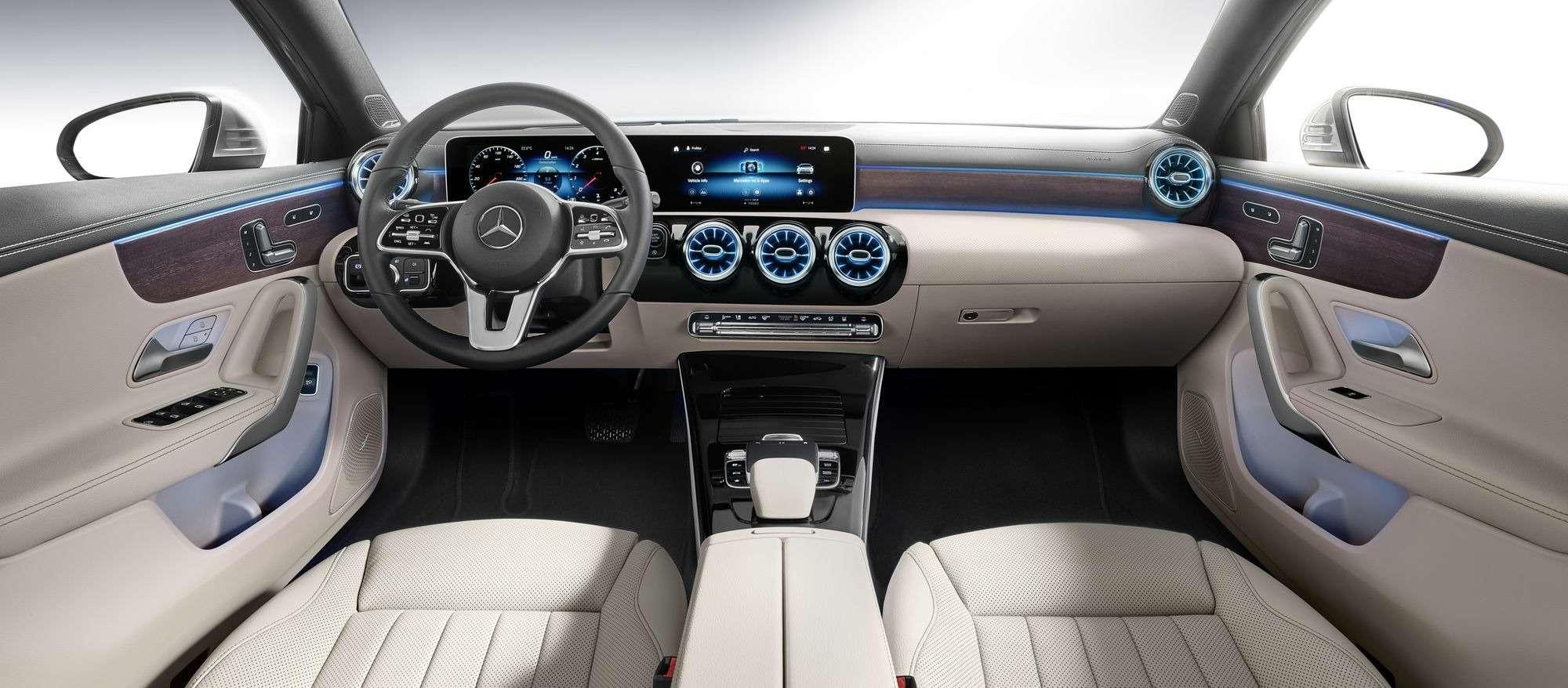 Евростандарт: представлен короткий седан Mercedes-Benz A-класса— фото 890435