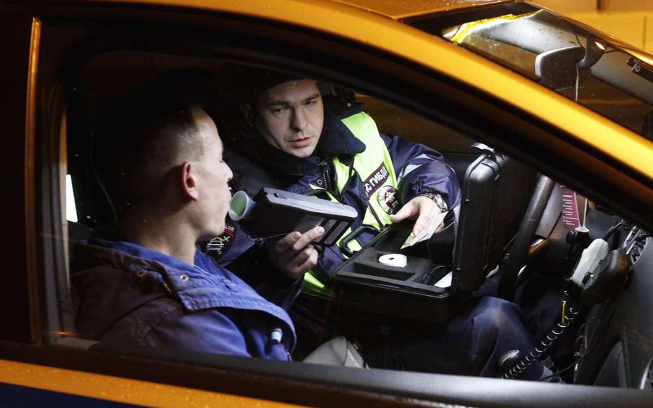 Выходные начались: ЗРловит пьяных водителей— фото 913516