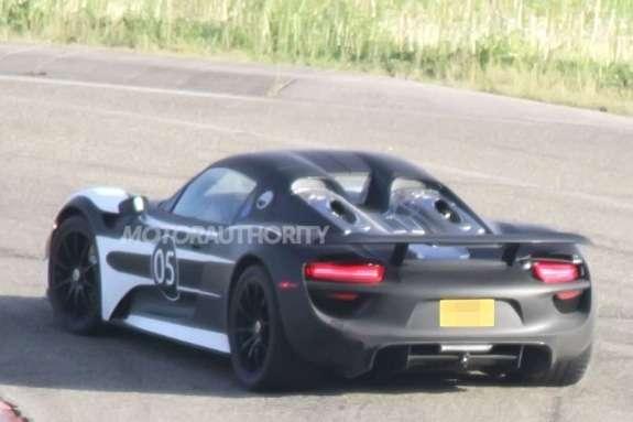 Porsche 918 Spyder test prototype side-rear view