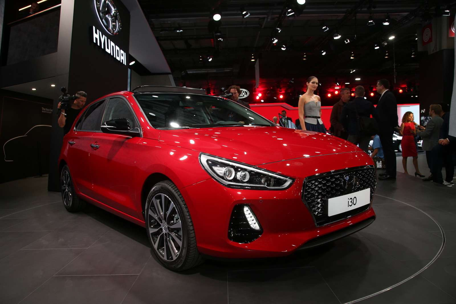 В тени концепта: вПариже дебютировал новый Hyundai i30— фото 642326