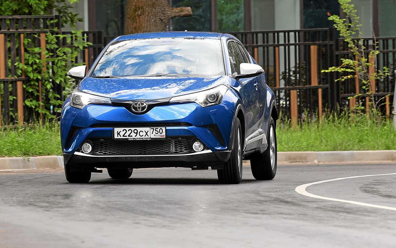 Toyota C-HR: 5впечатляющих фактов иряд досадных недочетов— фото 912260