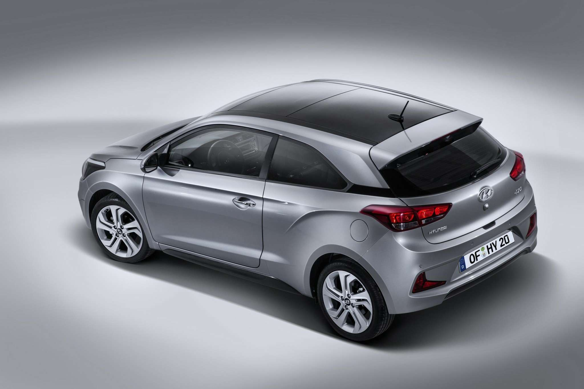 hyundai-officially-unveils-i20-coupe-with-unique-design-photo-gallery_4