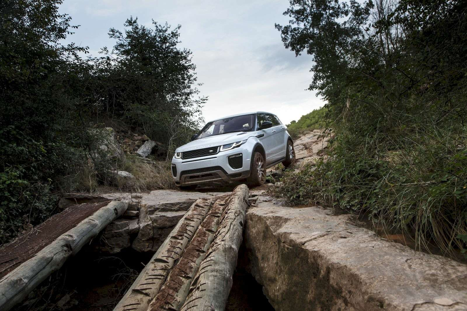RR_Evoque16MY_4WD_129_result