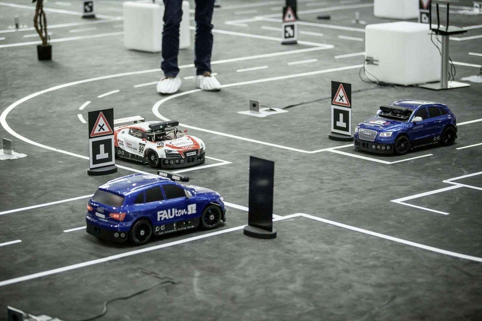 Роботы вместо футболистов, или Как водителей оставят без руля— фото 574749