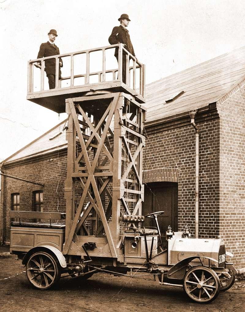 Первый грузовик Scania iL, поставленный вСанкт-Петербург в1910 году