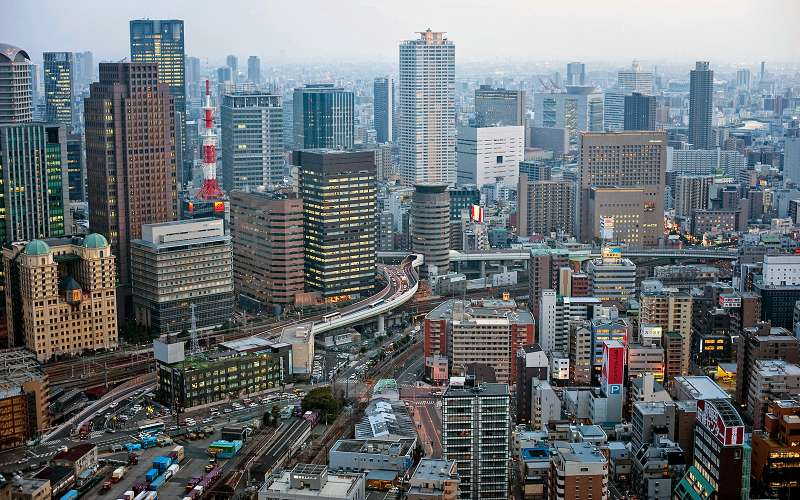 Gate Tower Bilding, Осака, Япония.