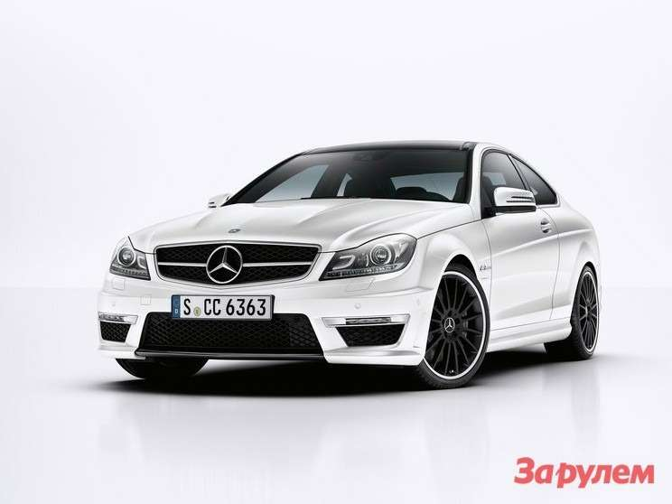 Mercedes-Benz-C63_AMG_Coupe_2012_18