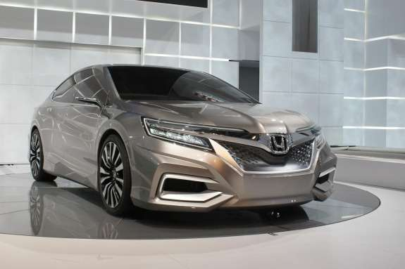Honda Concept C side-front view