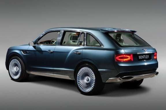 Bentley EXP 9F Concept side-rear view
