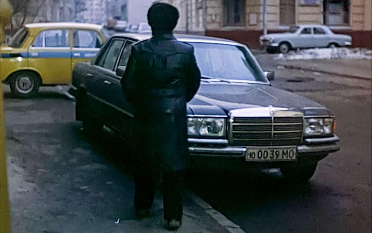 Машина Высоцкого, Карпова иБрежнева: первый вистории S-класс— фото 1210010