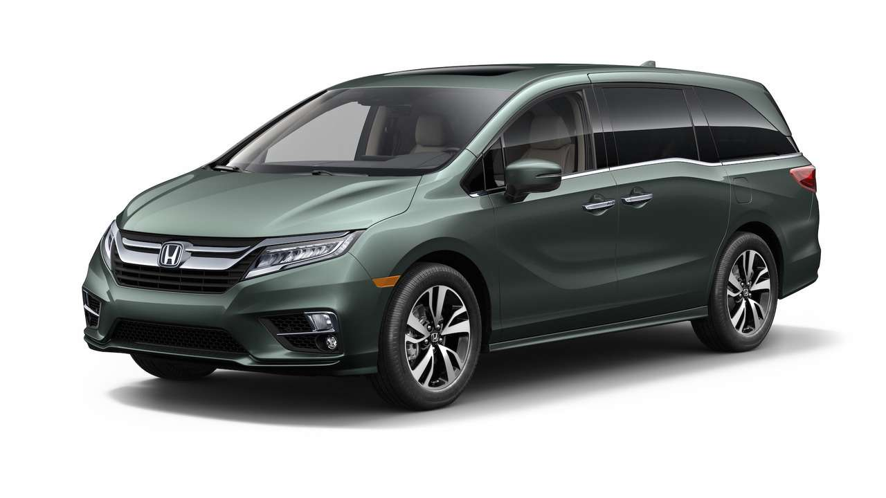 Домохозяйки аплодируют: Honda представила новый минивэн Odyssey— фото 690578