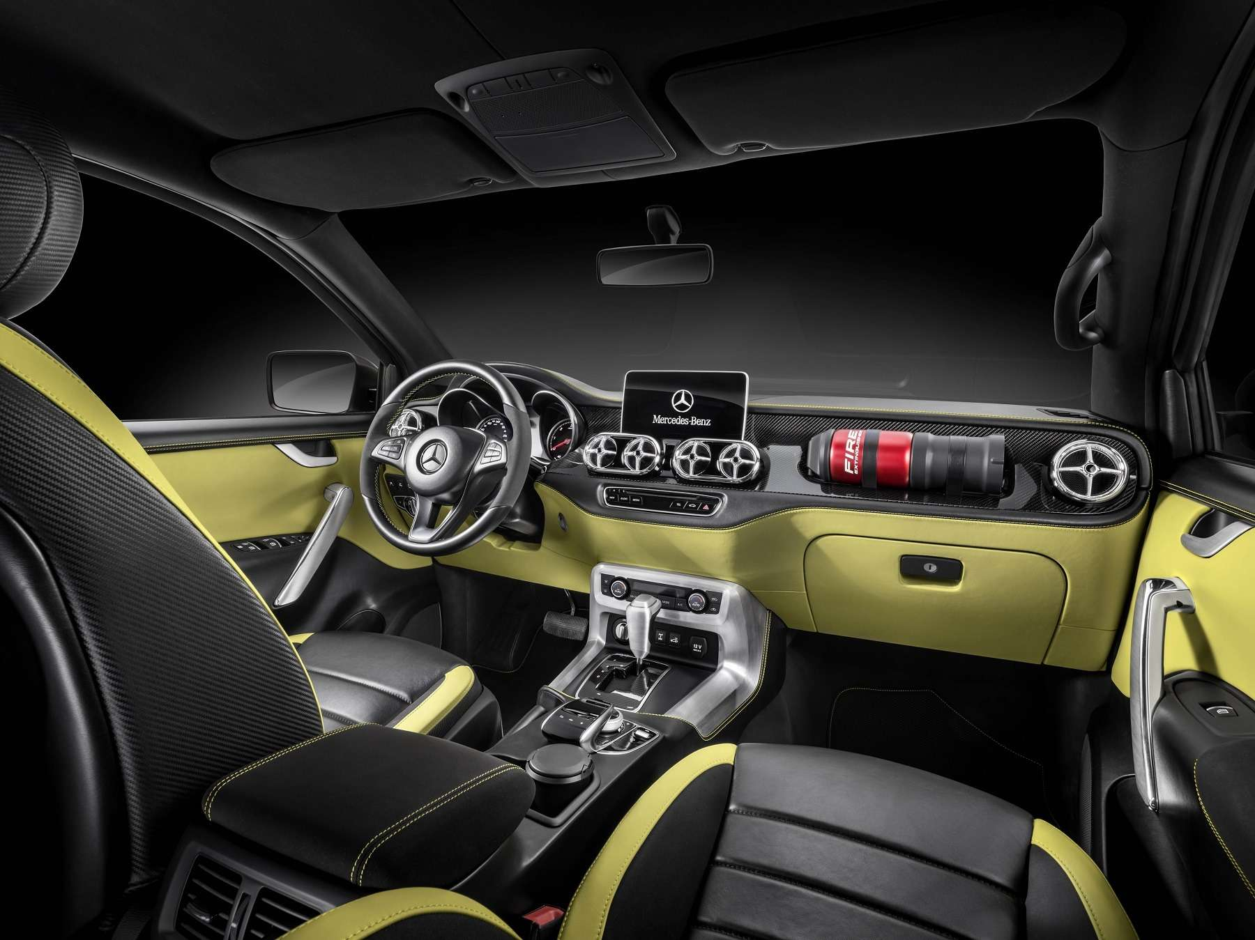 Дело чести: Mercedes-Benz представил пикапы X-класса— фото 654276