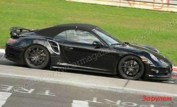 Porsche 911 Turbo Cabriolet side view