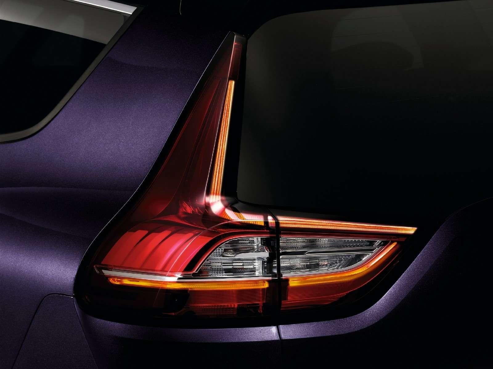 Парижский гламур: новый Renault Scenic стал еще красивее— фото 759165