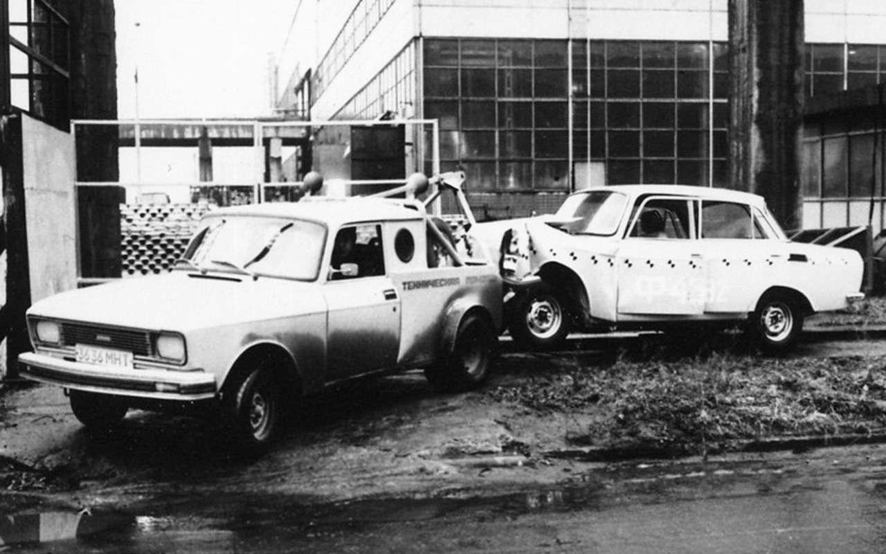 Недляпродажи: 15уникальных отечественных автомобилей— фото 947366