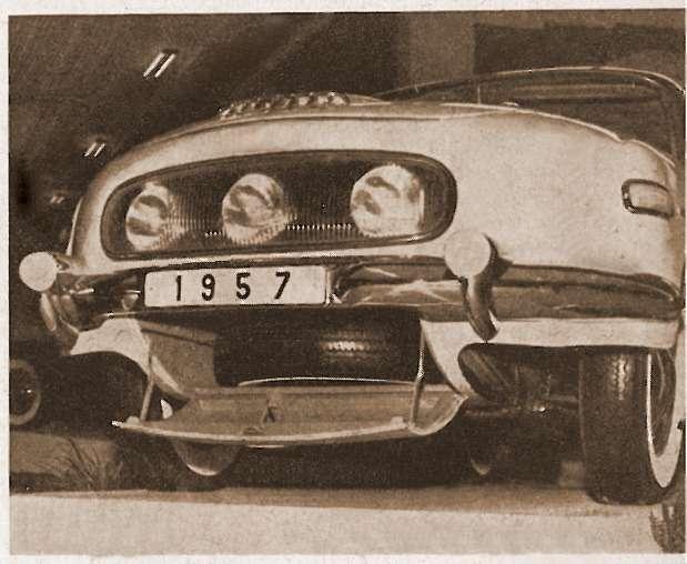 Расположение запасного колеса Tatra-603 также было продиктовано соображениями развесовки