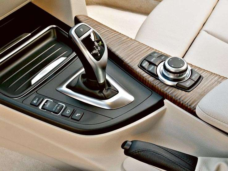BMW-3-Series_2012bd