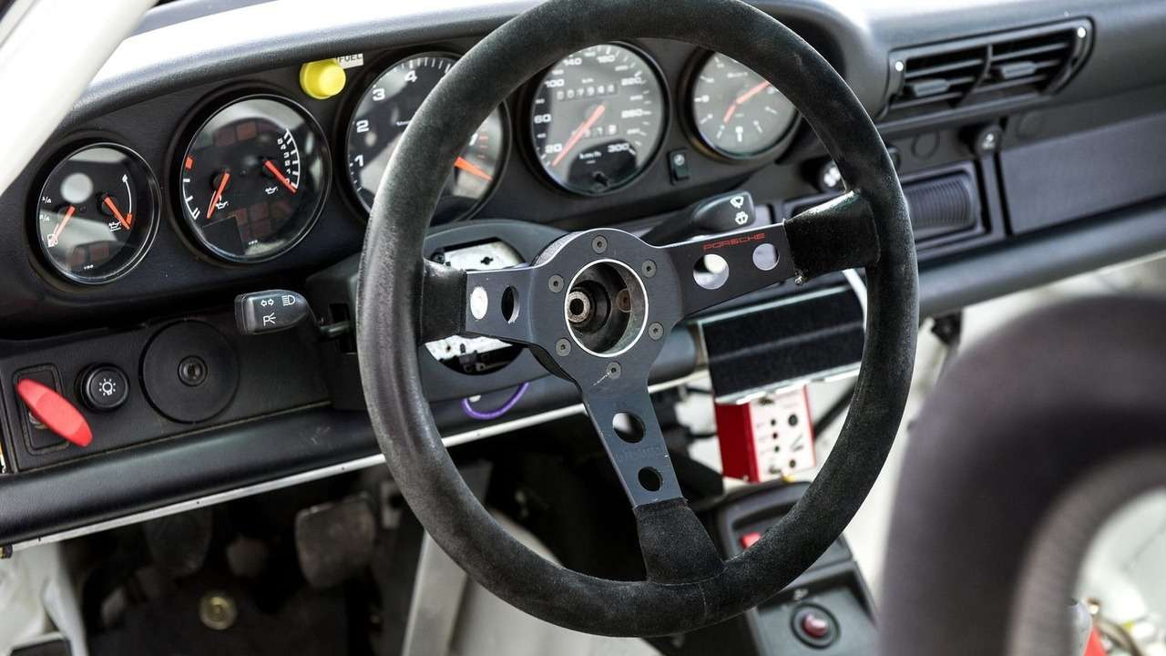 Лишающий сна: редчайший Porsche 911GT2Evo попросит свыше миллиона долларов— фото 648348