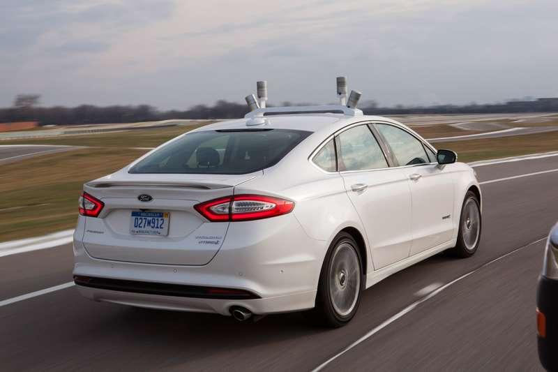 Ford показал самоуправляемый автомобиль