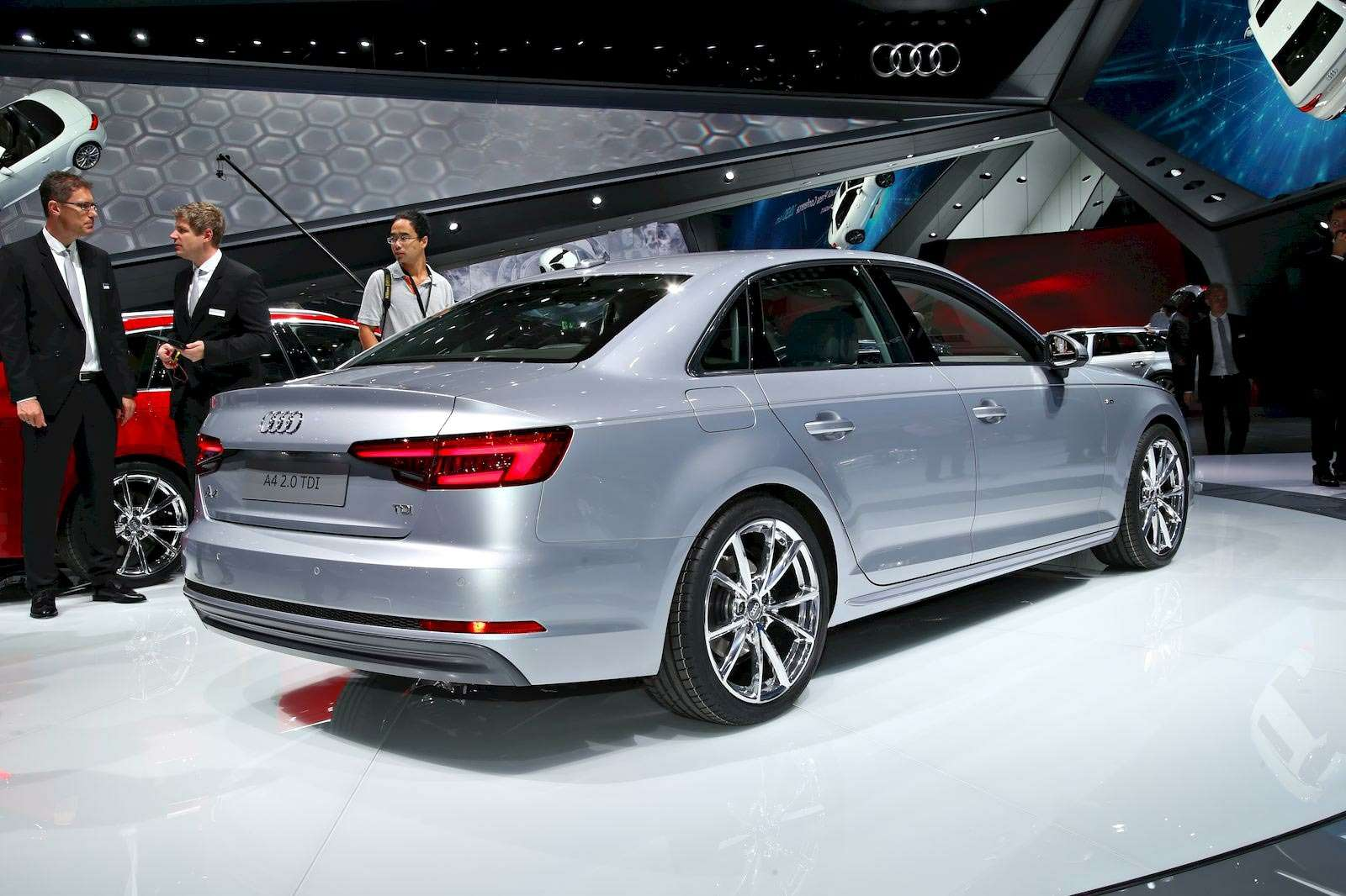 Audi-A4_7