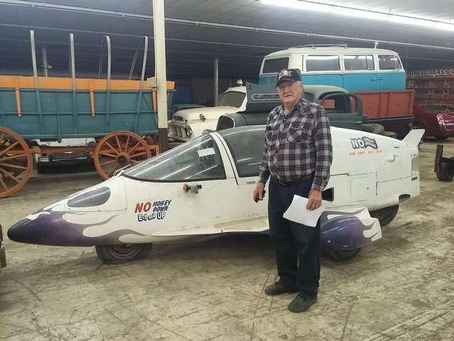 Бывший дальнобойщик решил продать свою коллекцию из700 машин— фото 702155