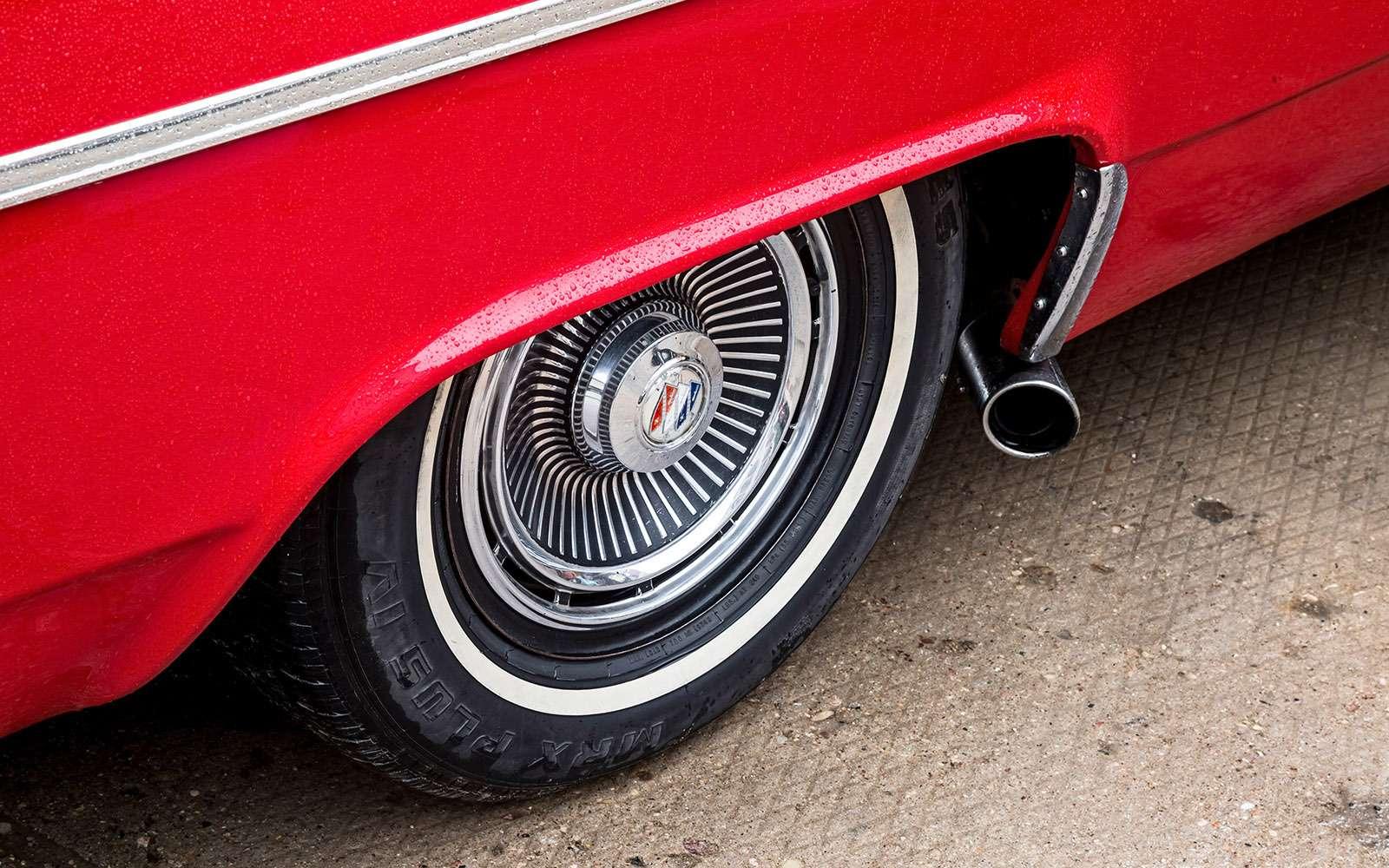 Buick LeSabre— ретротест перекачанного физкультурника— фото 766478