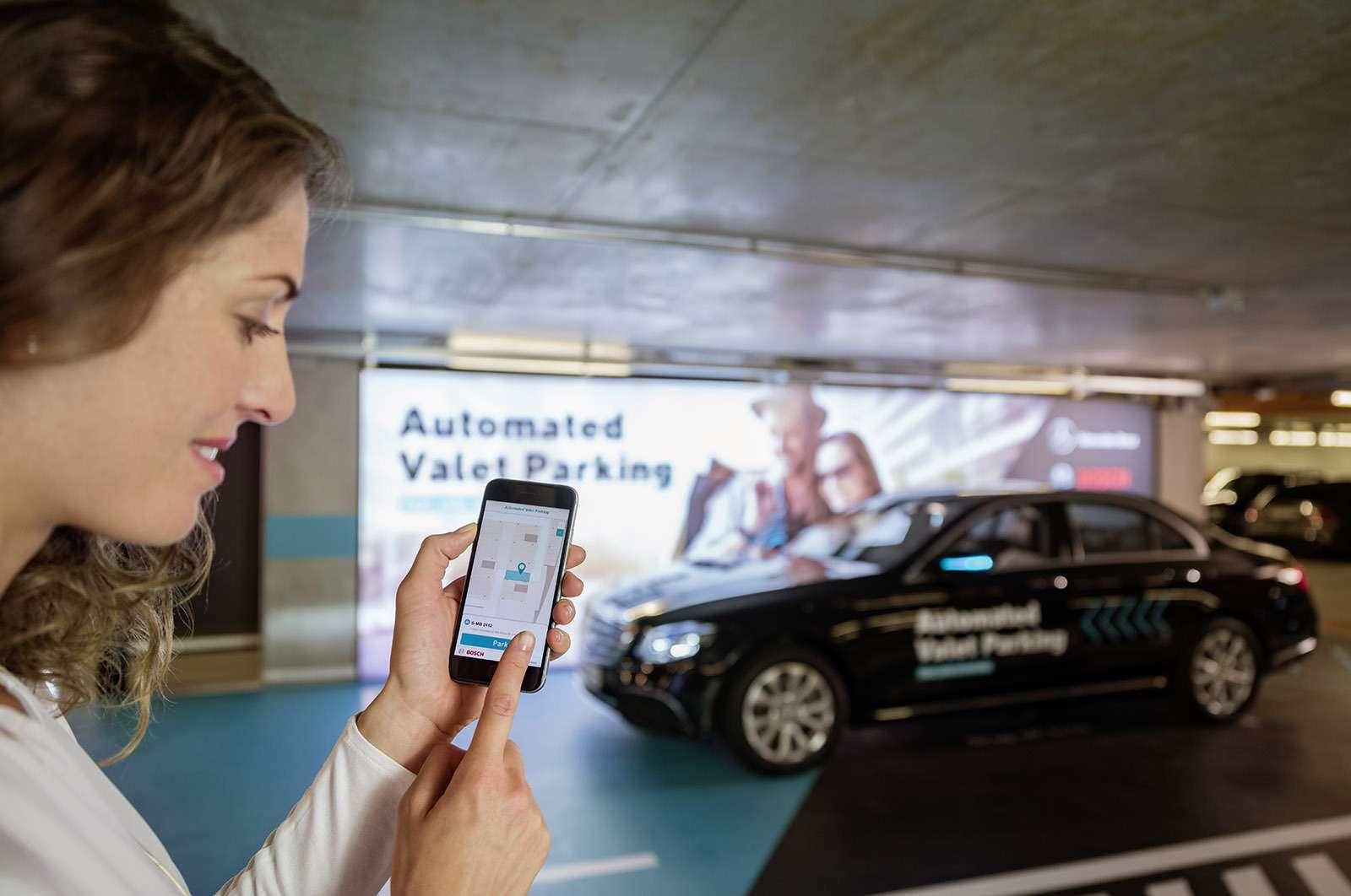 Водитель ненужен: Daimler сделал паркинг будущего— фото 778368