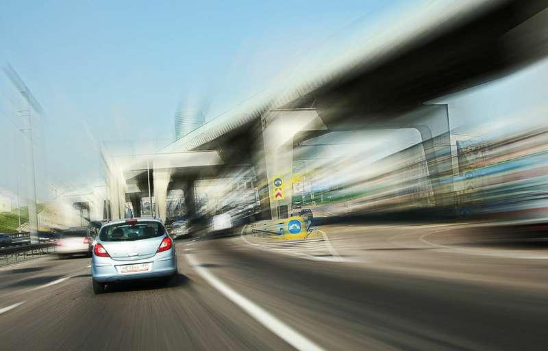 Единоросы передумали лишать прав водителей за страшную езду