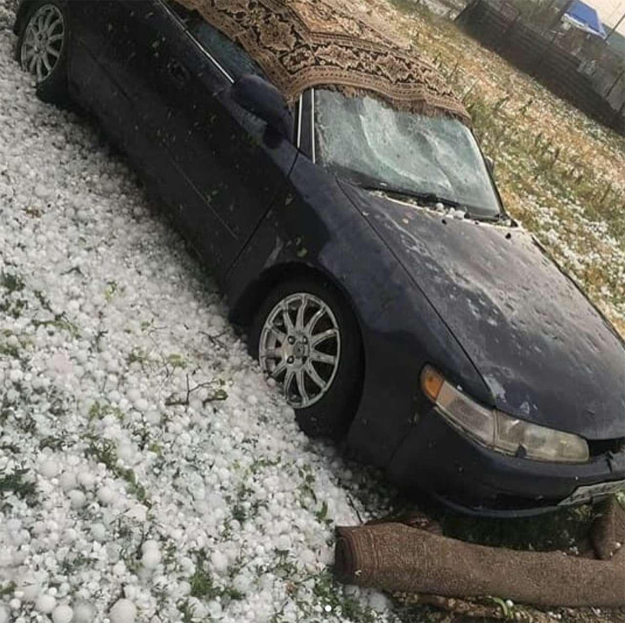 Разгул стихии: мощным градом побило сотни машин вКраснодарском крае— фото 883560