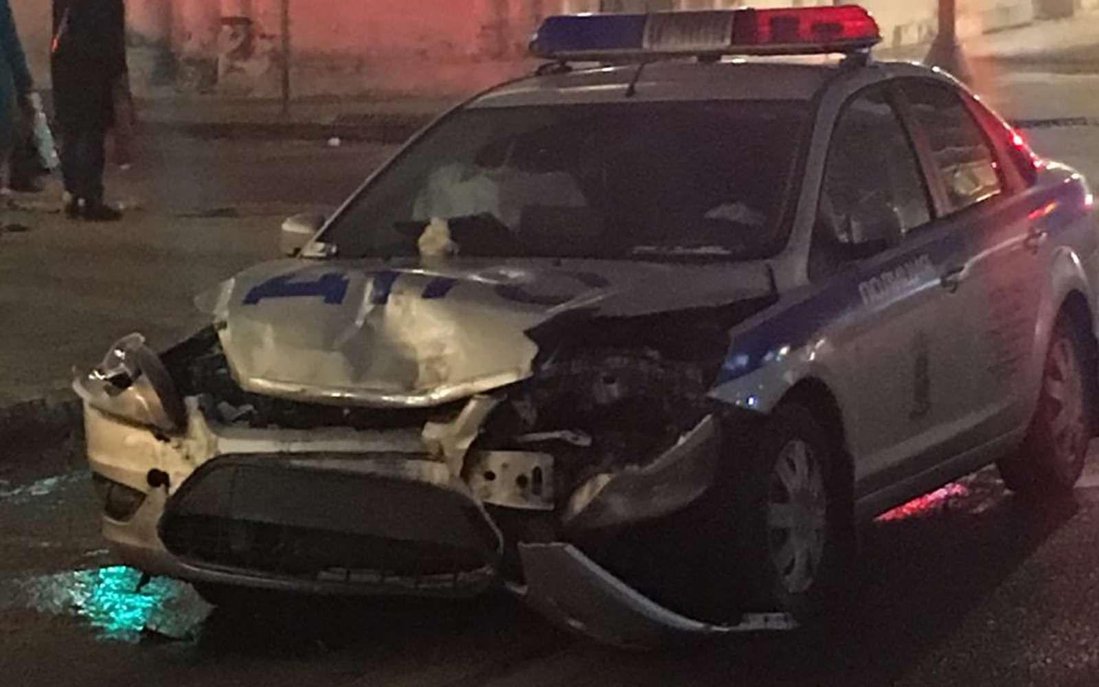 Автомобиль ДПС протаранил Lexus ипревратил седан вхэтчбек