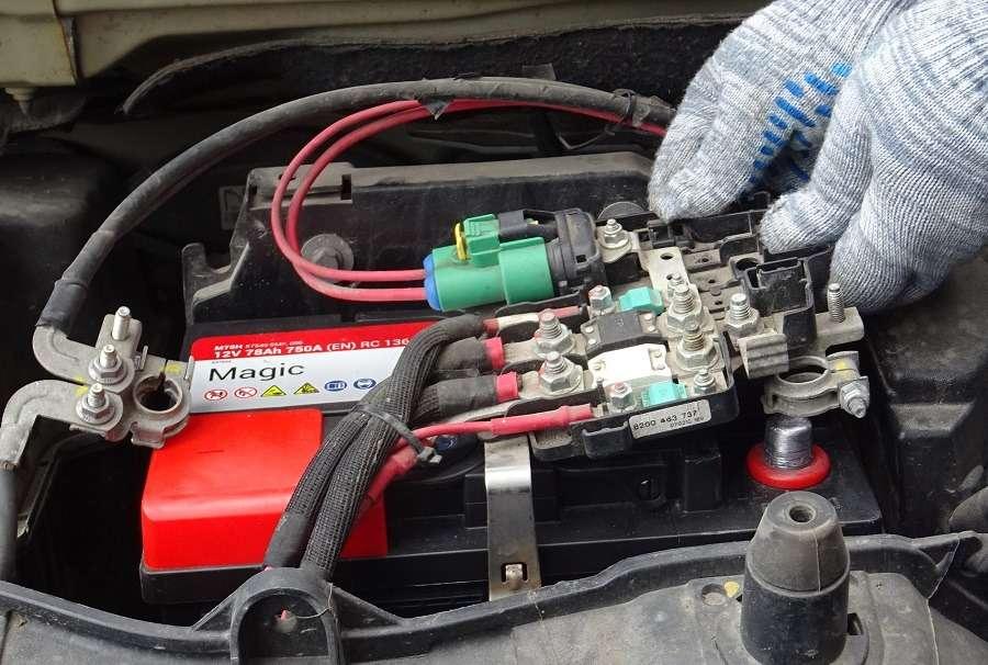 Этообязательно нужно сделать при самостоятельной замене батареи— фото 1245923