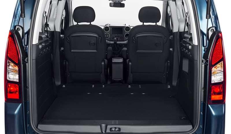 Новый Peugeot Partner Crossway: три куба вбагажнике, дизель, автомат