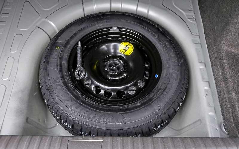 Chevrolet Cobalt иЛада Веста— большой тест