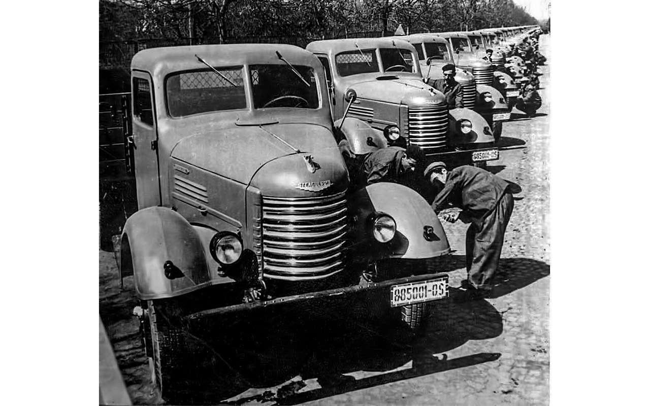 Заслуженный грузовик СССР— ретротест ЗИС-150— фото 1150085