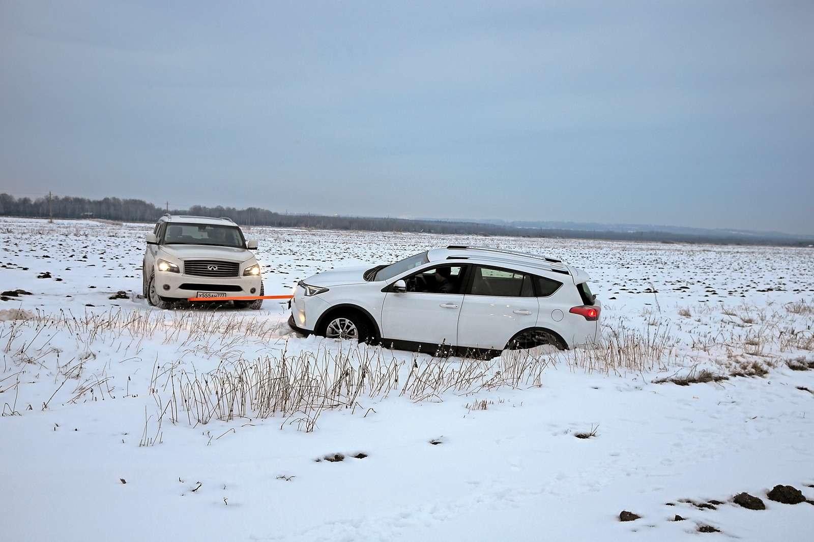 Кроссоверы-бестселлеры: новый Kia Sportage против Hyundai Tucson, Toyota RAV4и Honda CR-V— фото 586734