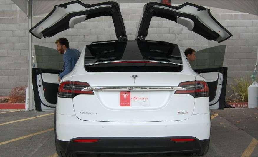 2016-Tesla-Model-X-127-876x535