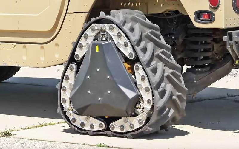 Американские военные показали автомобиль стреугольными колесами