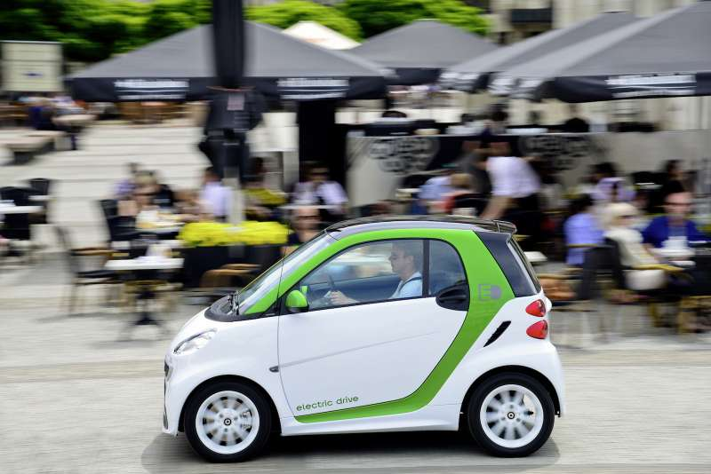 smart electric drive erobert China // smart electric drive arrives onthe streets ofChina