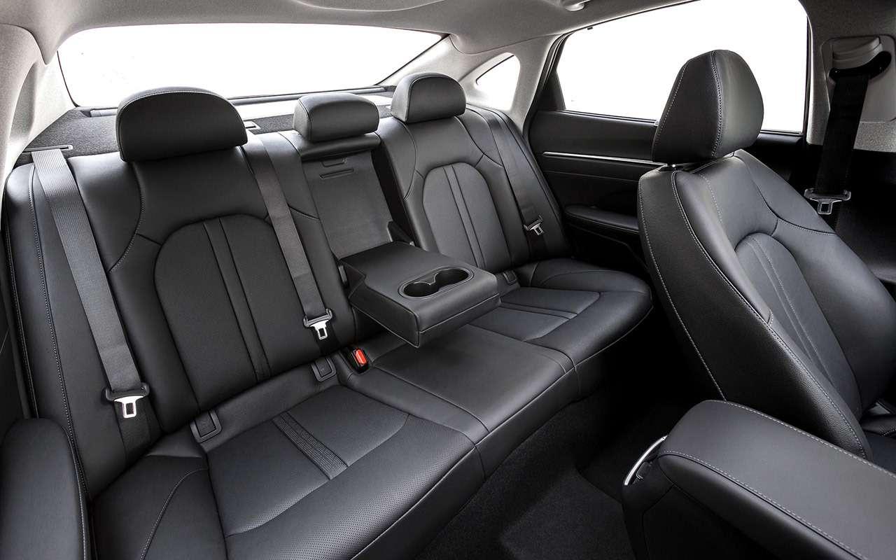 Новая Hyundai Sonata: светодиоды накапоте иеще 8фишек— фото 1014965