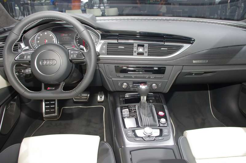Audi09