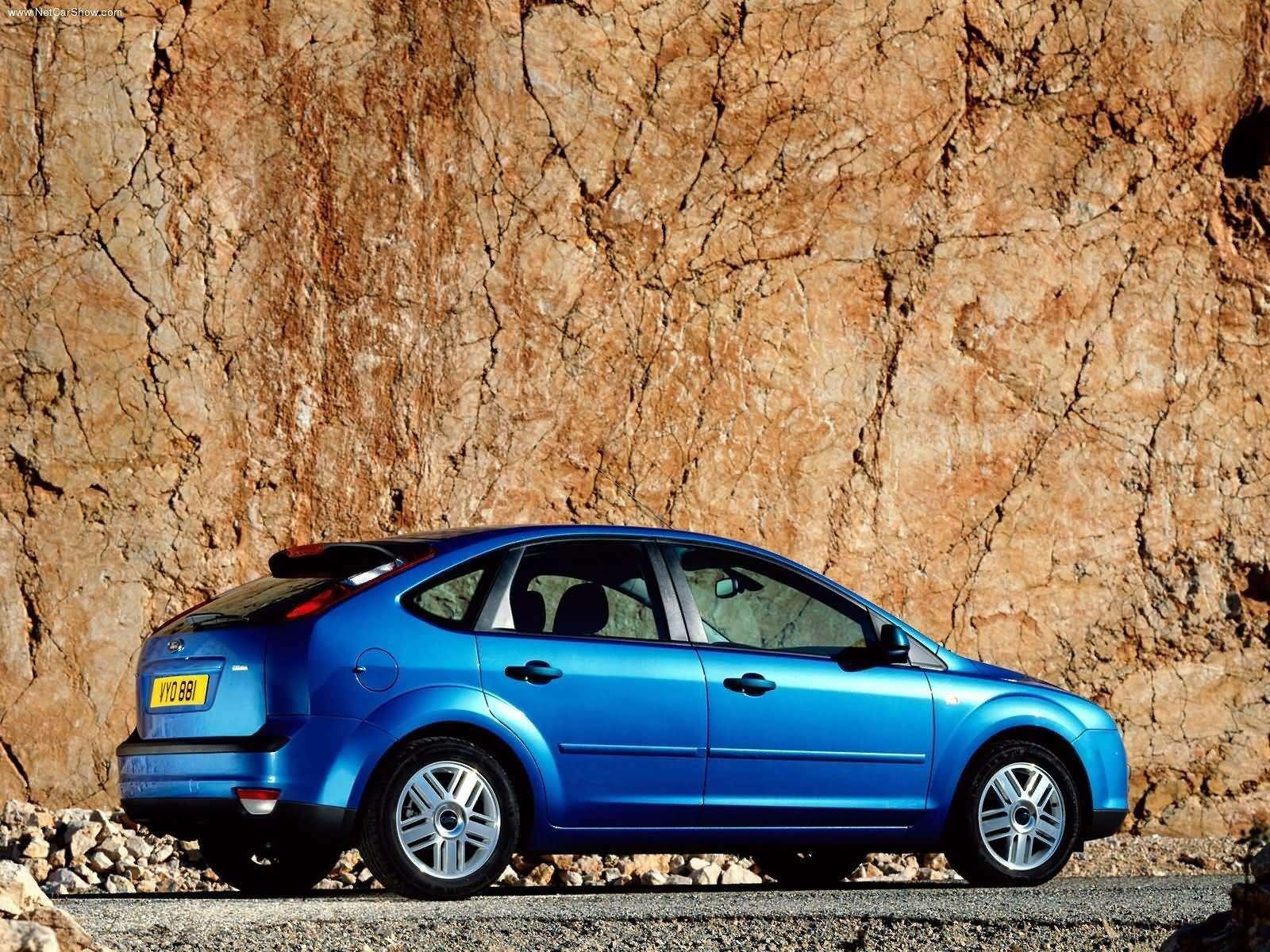 Ford-Focus_TDCi_5door_European_Version_2004_1600x1200_wallpaper_07